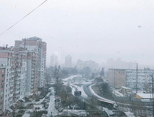 Синоптики попереджають про мокрому снігу і ожеледиці в Києві / Instagram zorax.community