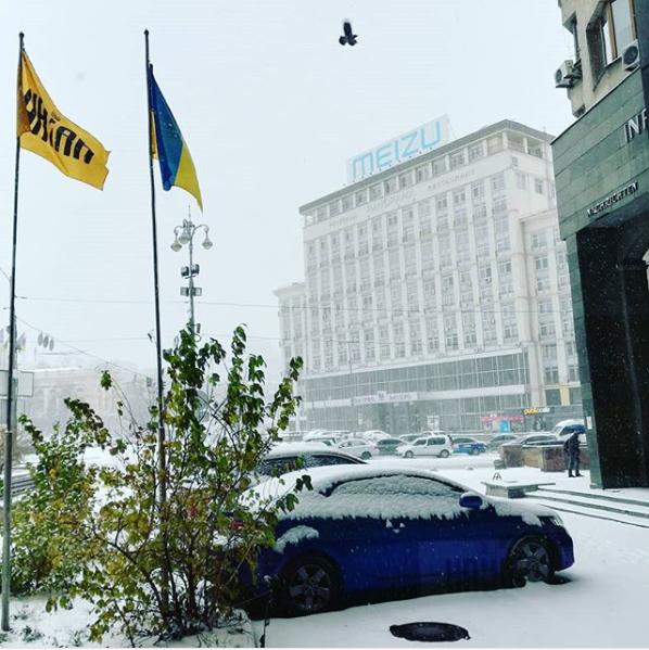 У Києві випав перший у цьому сезоні сніг / фото instagram.com/marinvogel