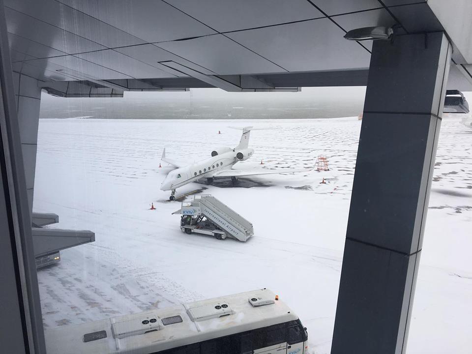 Аэропорт «Борисполь» предупредил о незначительных задержках рейсов / фото facebook.com/airportkiev/