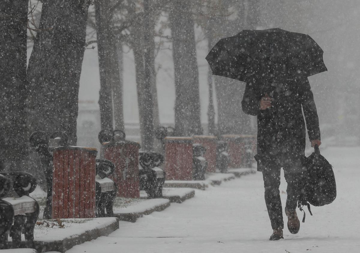 У другій половині останнього тижня року в Україні очікуються сніг та мокрий  сніг 2b8ec56ccd960
