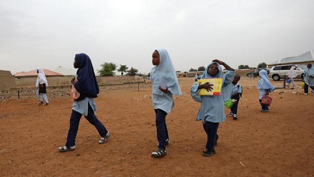 В Нигерии мусульманським девочкам разрешили носить хиджаб по цвету школьной формы / africanews.com