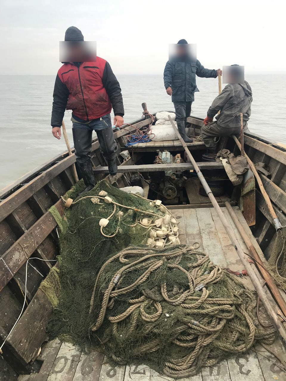 Зловмисники виловили з Дністра майже 4 тонни коропів і карасів / фото od.gp.gov.ua