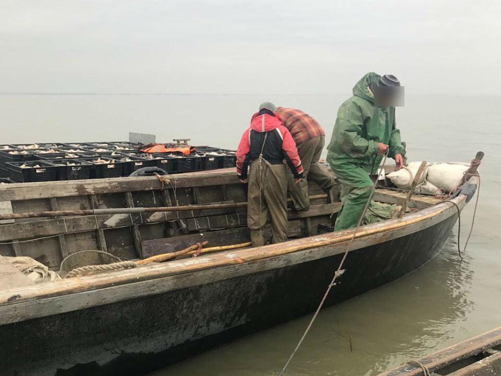 На Дністровському лимані затримали браконьєрів / фото od.gp.gov.ua
