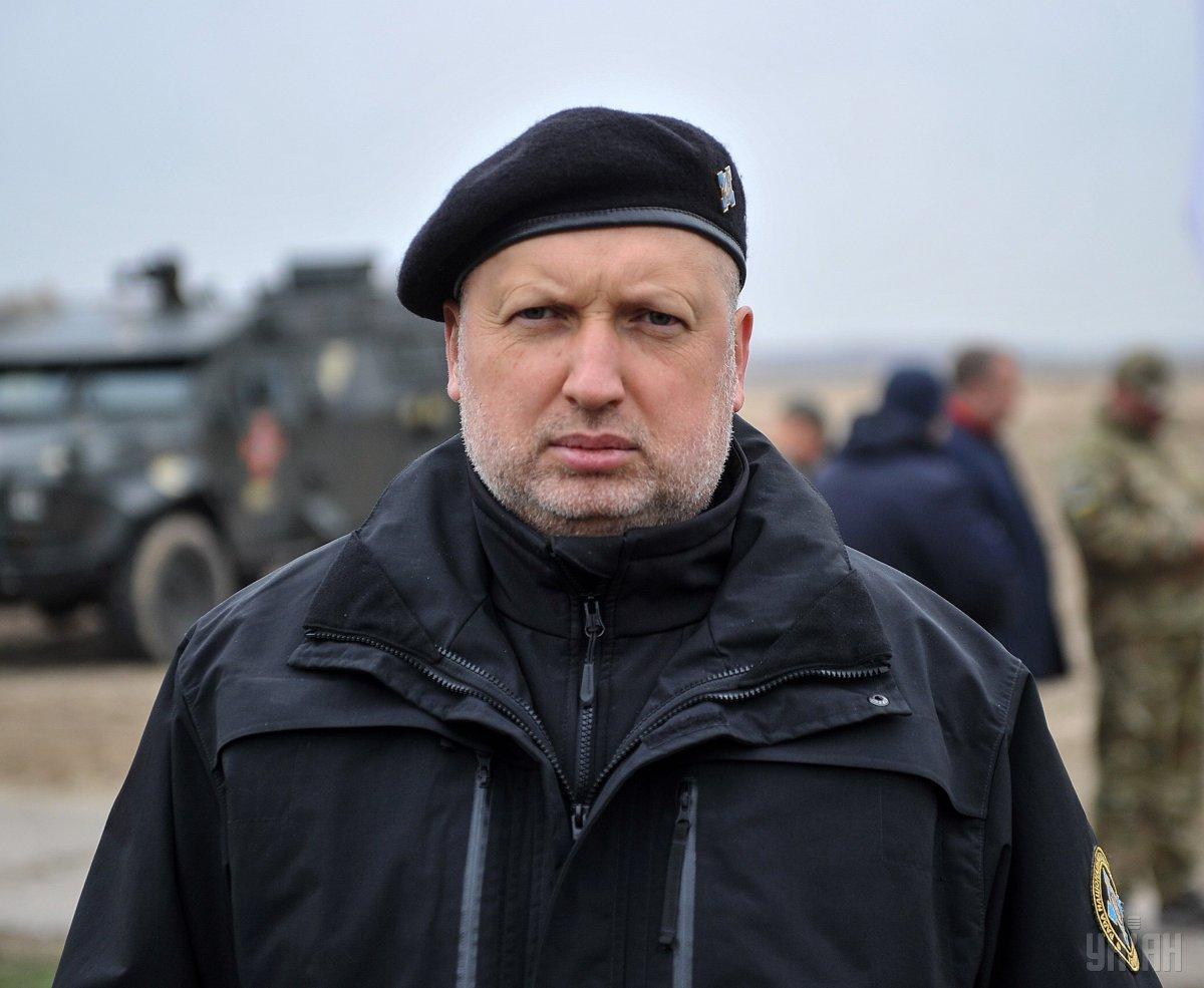 Турчинов поздравил пехотинцев с профессиональным праздником / фото УНИАН