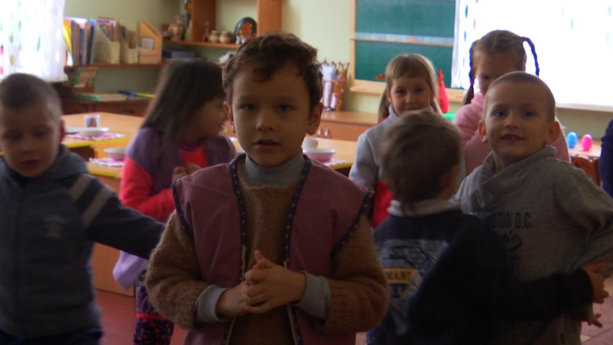 Батьки відправляють своїх дітей у крижаний садок тільки тому, що у квартирах міста Сміла ще холодніше