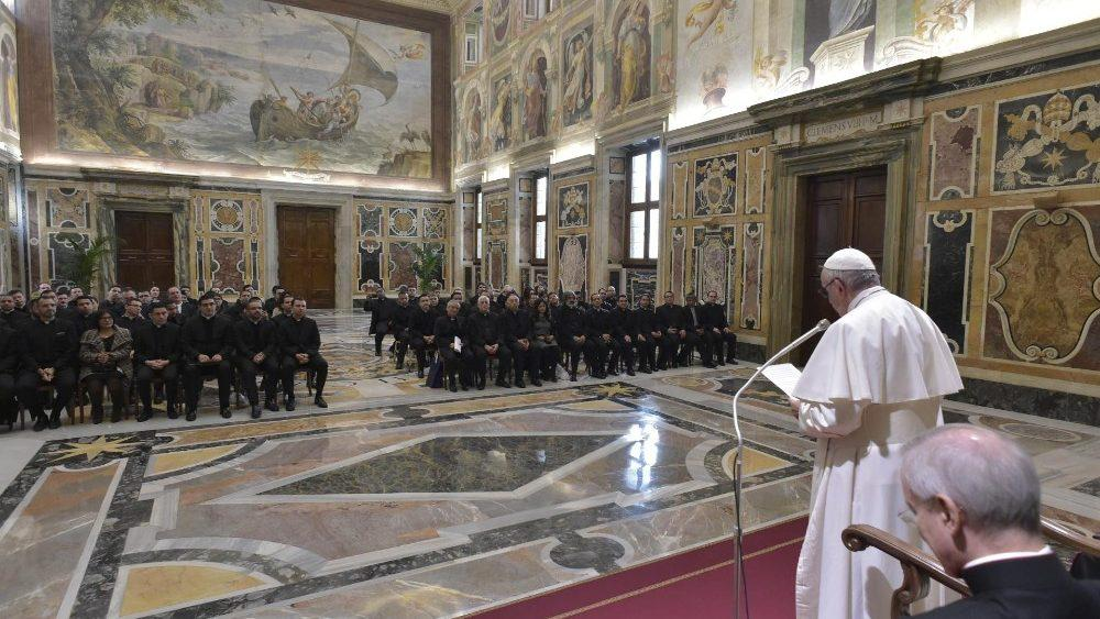 Папа Римский встретился с сообществом Папской Латиноамериканской Коллегии / vaticannews.va