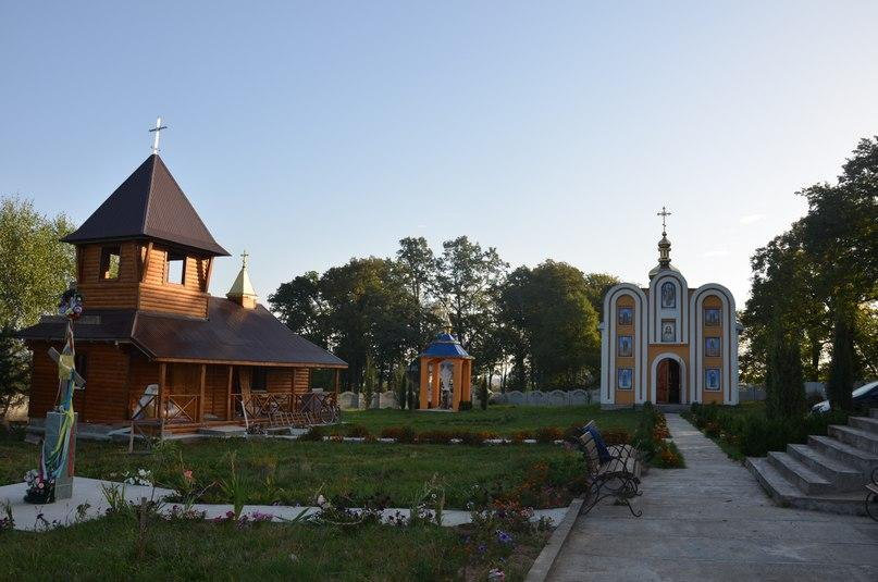 Свято-Михайловский Угорницкий монастырь / ivano-frankivsk.church.ua