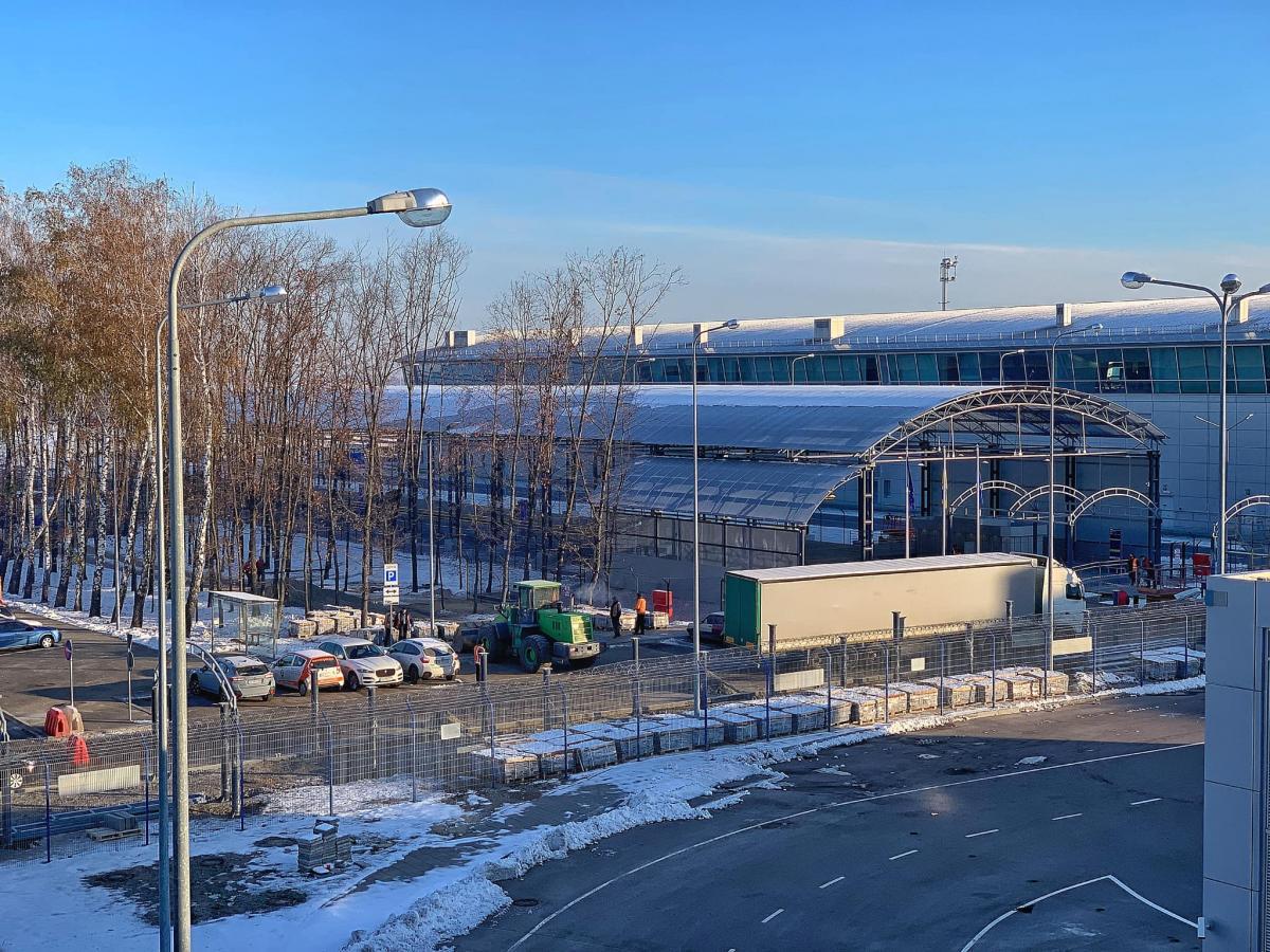 На станции Борисполь-аэропорт уже сооружен навес над платформами / фото facebook/ivan.lyakh