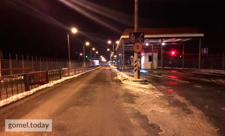 В районі двох ночі стало відомо, що страйкуючі стали частково пропускати машини з білоруськими номерами / Gomel today