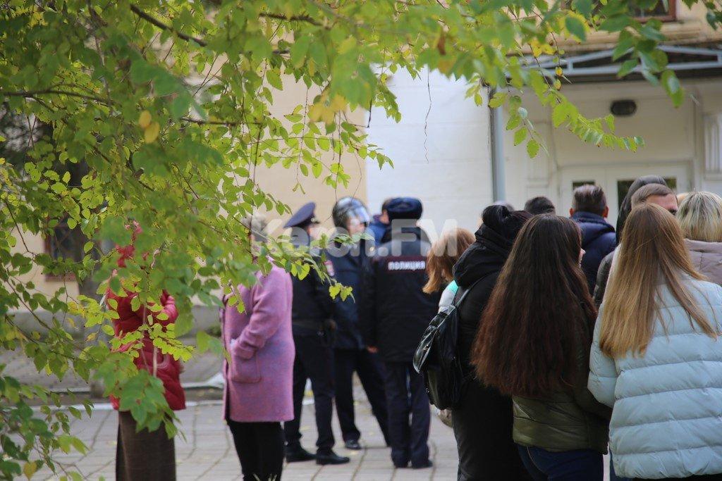 Подозреваемого в стрельбе в Керчи постоянно унижали одноклассники / Керчь ФМ