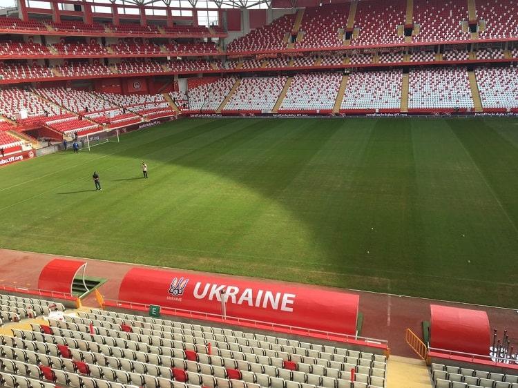Стадион в Анталии готов принять товарищеский матч с участием сборной Украины / ffu.ua