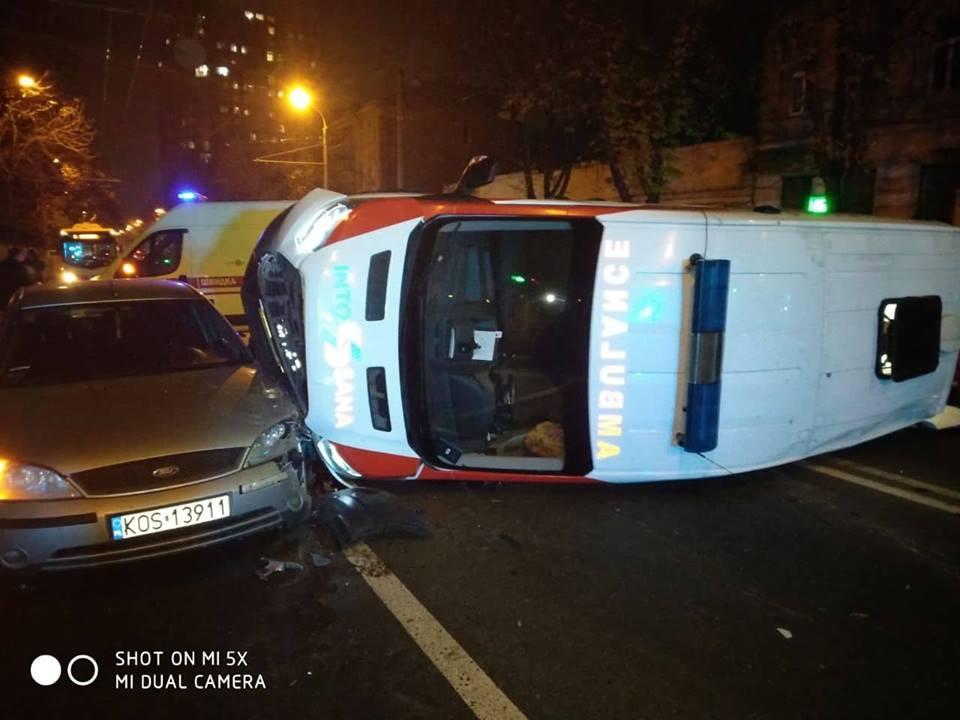 Причини і обставини ДТП з'ясовуються / фото патрульна служба Одеси
