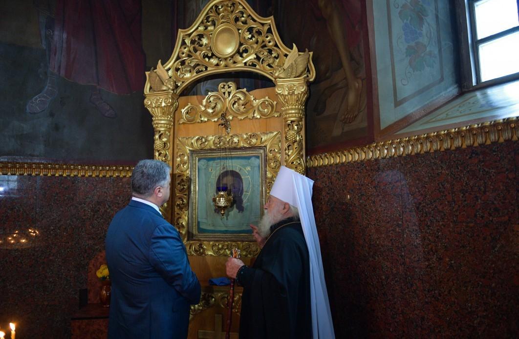 Петр Порошенко посетил кафедральный собор УПЦ в Черкассах / president.gov.ua