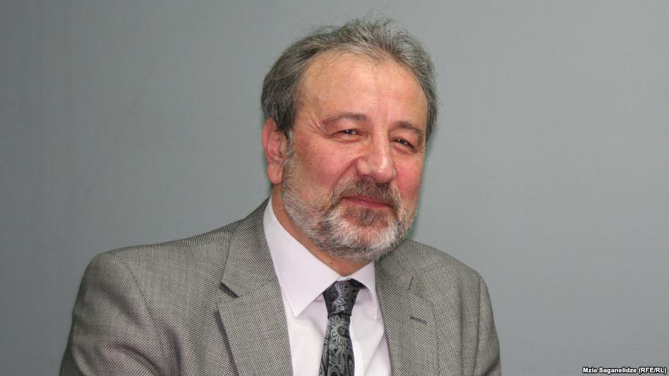 Каха Гоголашвили – известный грузинский политолог / фото Эхо Кавказа