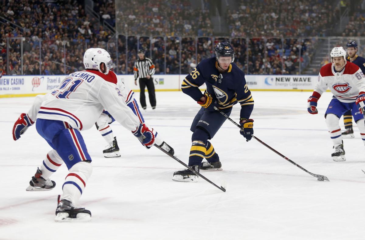 Баффало обыграл Монреаль в центральном матче дня НХЛ / Reuters