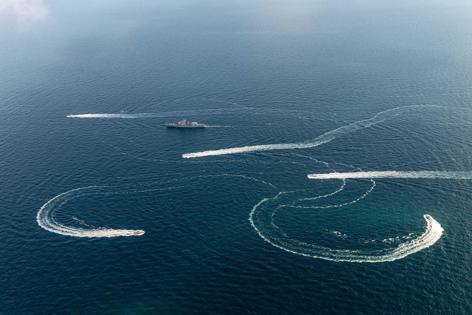 Росія заблокувала прохід до Керченської протоки / фото NATO Maritime Command