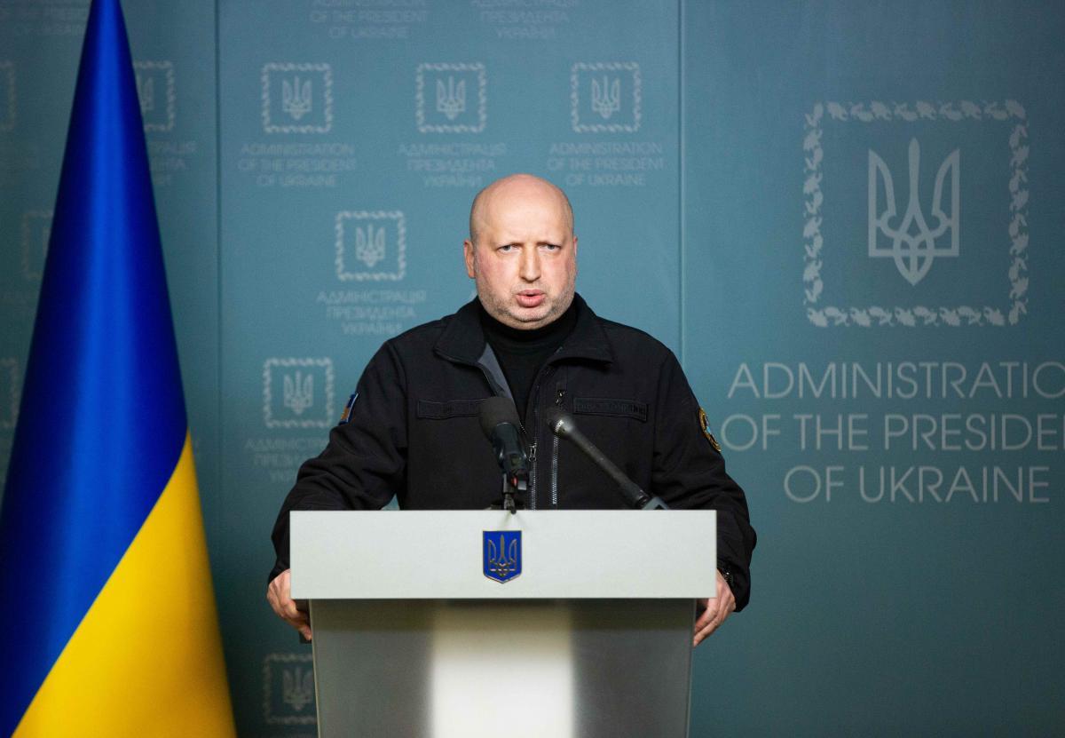 Александр Турчинов прокомментировал решение Путина относительно российских паспортов для украинцев в ОРДЛО / REUTERS