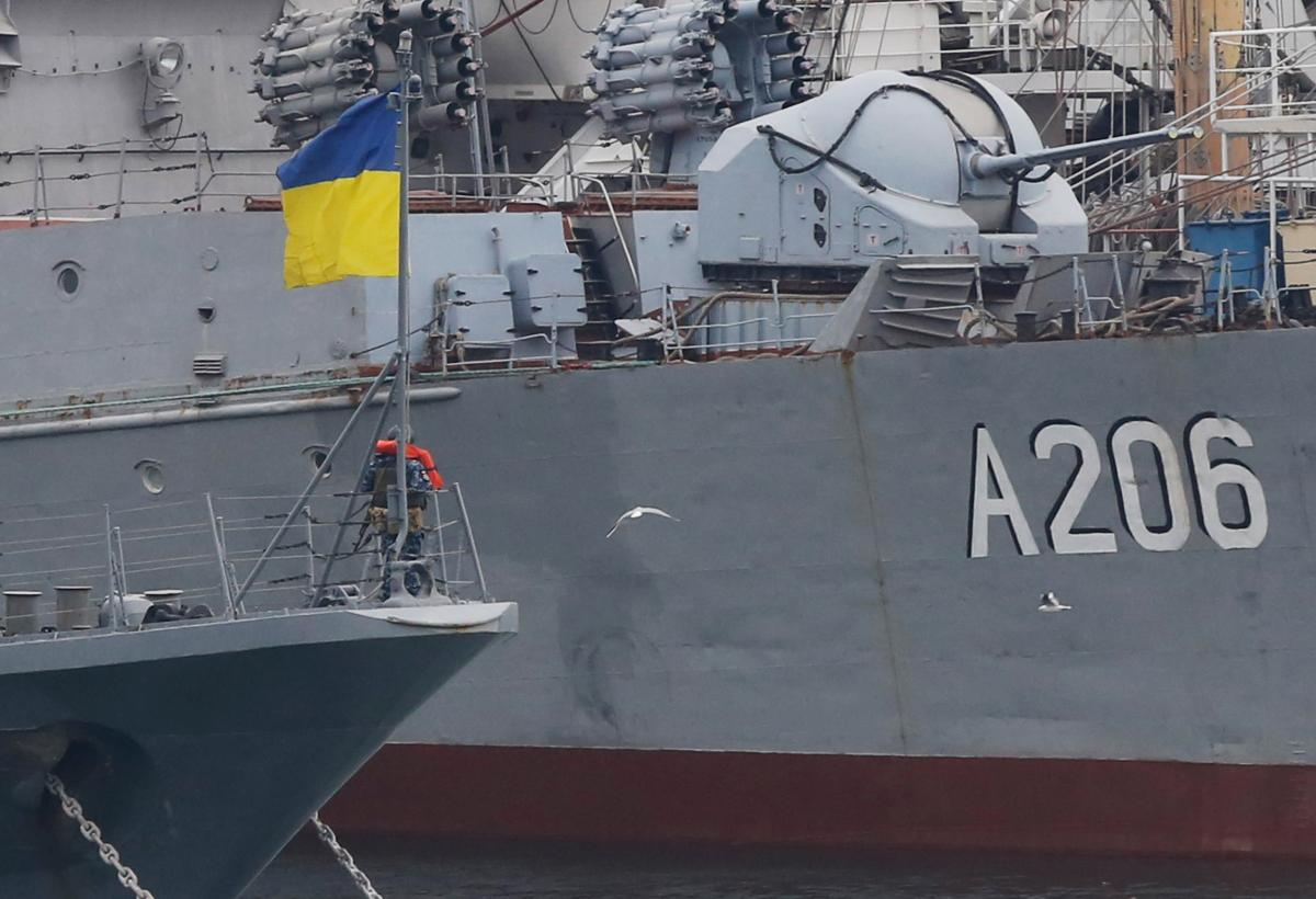 Українські прикордонні кораблі в порту Одеси/ REUTERS
