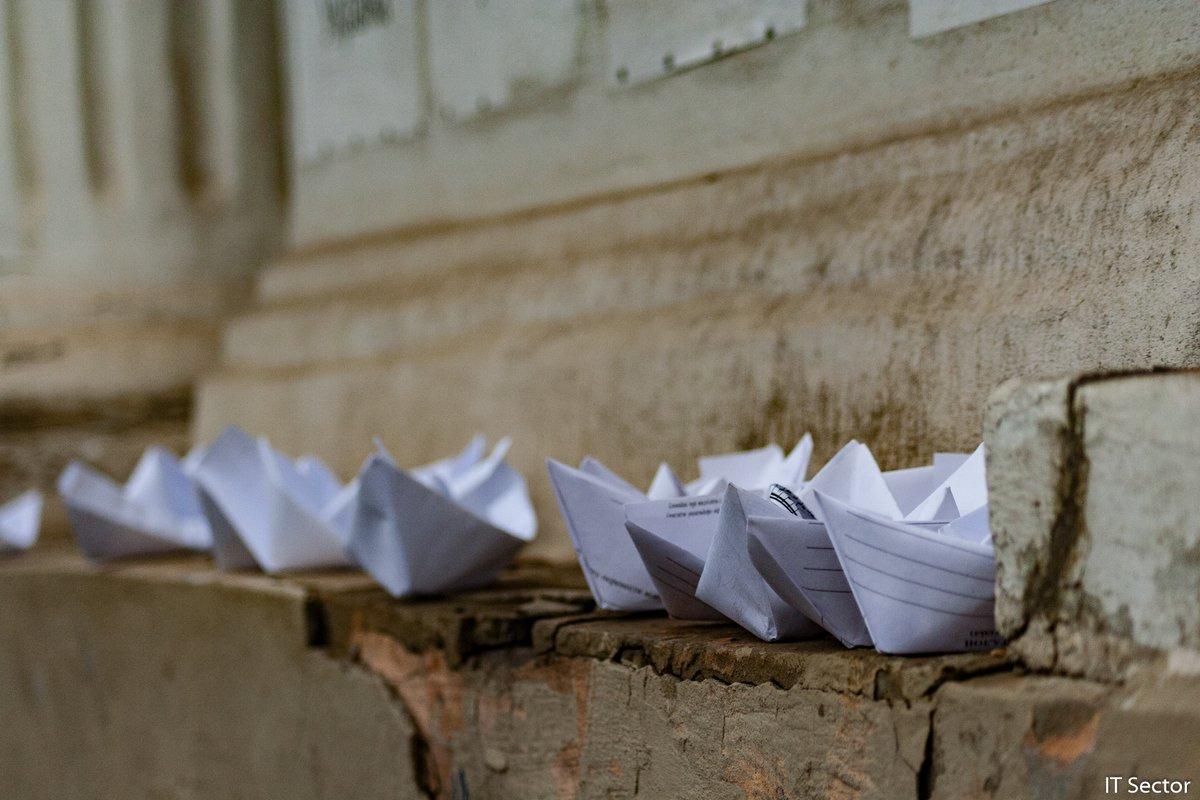 Состояние шести военнопленных украинских моряков ухудшилось / фото twitter.com/itsector