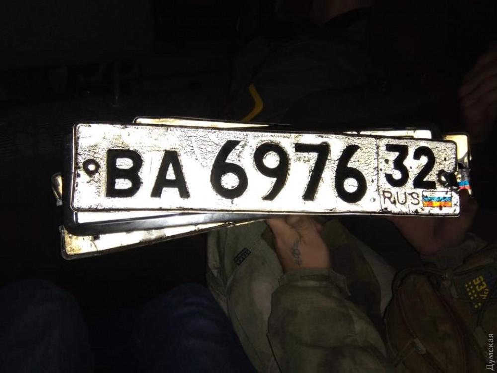 Сейчас остановлены четыре фуры в пригороде Одессы / фото dumskaya.net
