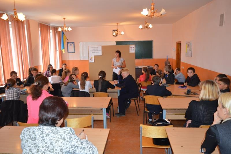 """Важливо, щоб самі вчителі змогли впоратися йзі своєю тривогою / фото проекту """"Відкривай Україну"""""""