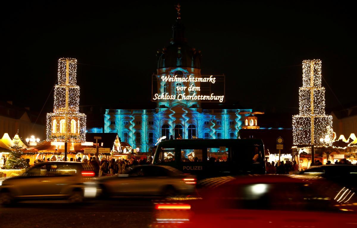 Ярмарка возле Дворца Шарлоттенбург / Фото REUTERS