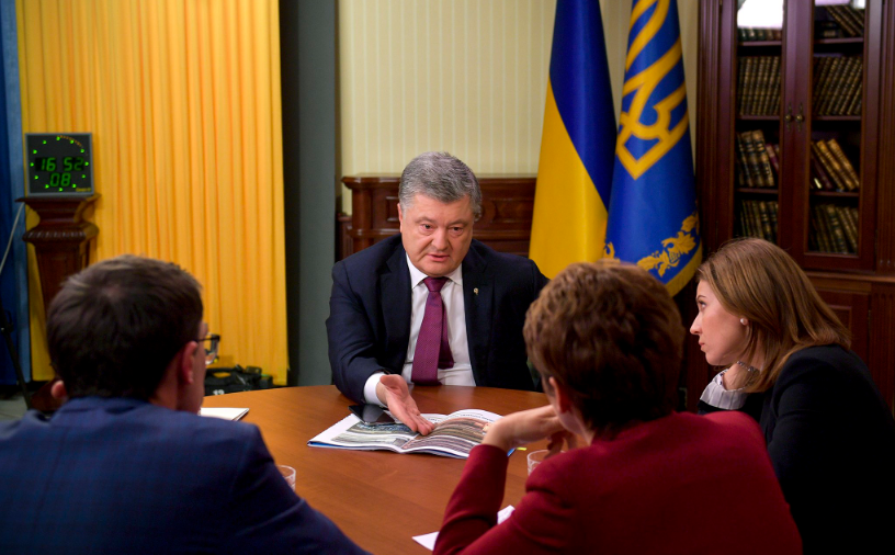 An interview with TV channels / Photo from Petro Poroshenko's Twitter account