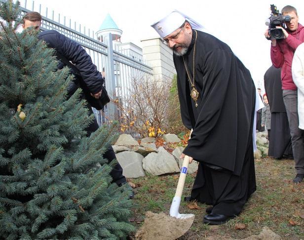 """Акция """"Посади дерево мира"""" / news.ugcc.ua"""