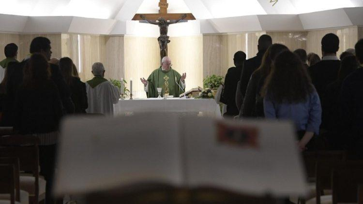 Папа Римский на утренней мессе в часовне дома святой Марфы / vaticannews.va