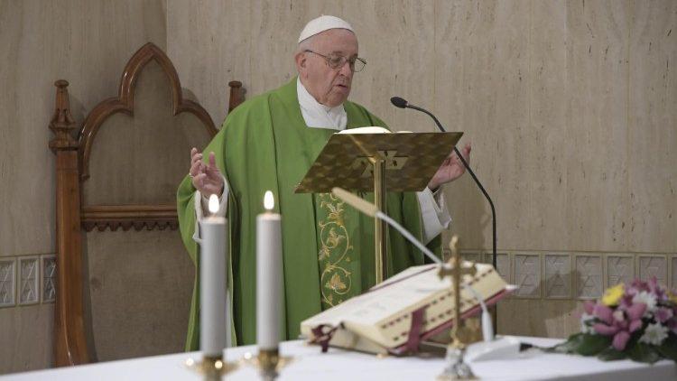"""Святая Месса в """"Доме святой Марты"""" / Vatican Media"""