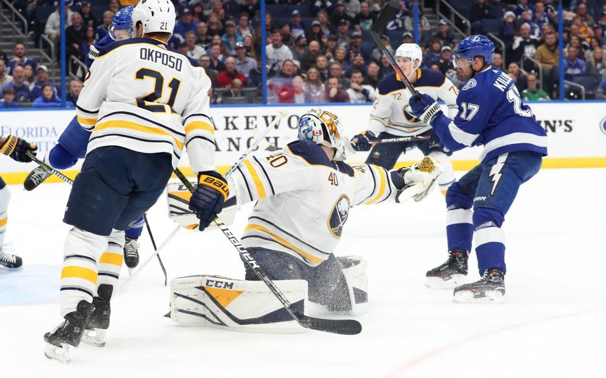 Тампа обыграла Баффало в матче регулярного чемпионата НХЛ / Reuters