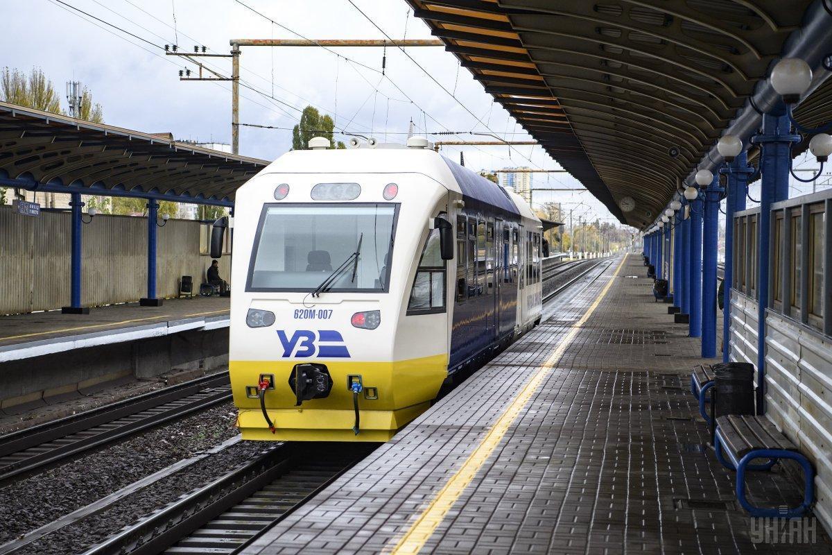 Технічна несправність у потязі Kyiv Boryspil Express виникла через негоду / фото УНІАН