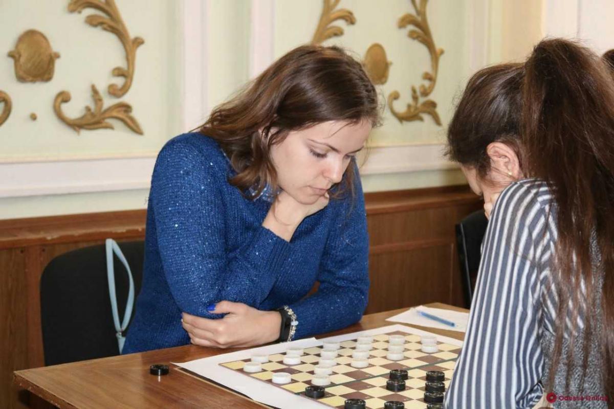Виктория Мотричко стала чемпионкой Украины по шашкам / ukrshashki.at.ua
