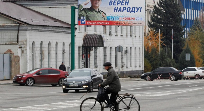 Sociologist names two main public positions on solving Donbas issue
