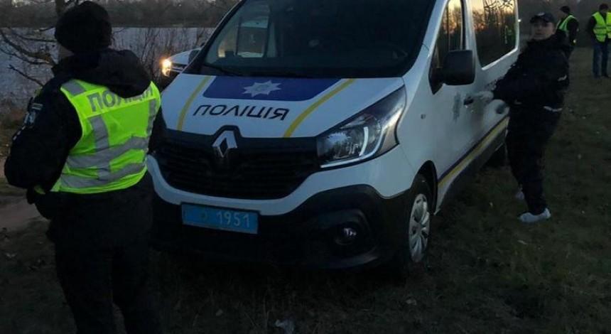 На столичной Оболони в авто подорвался мужчина