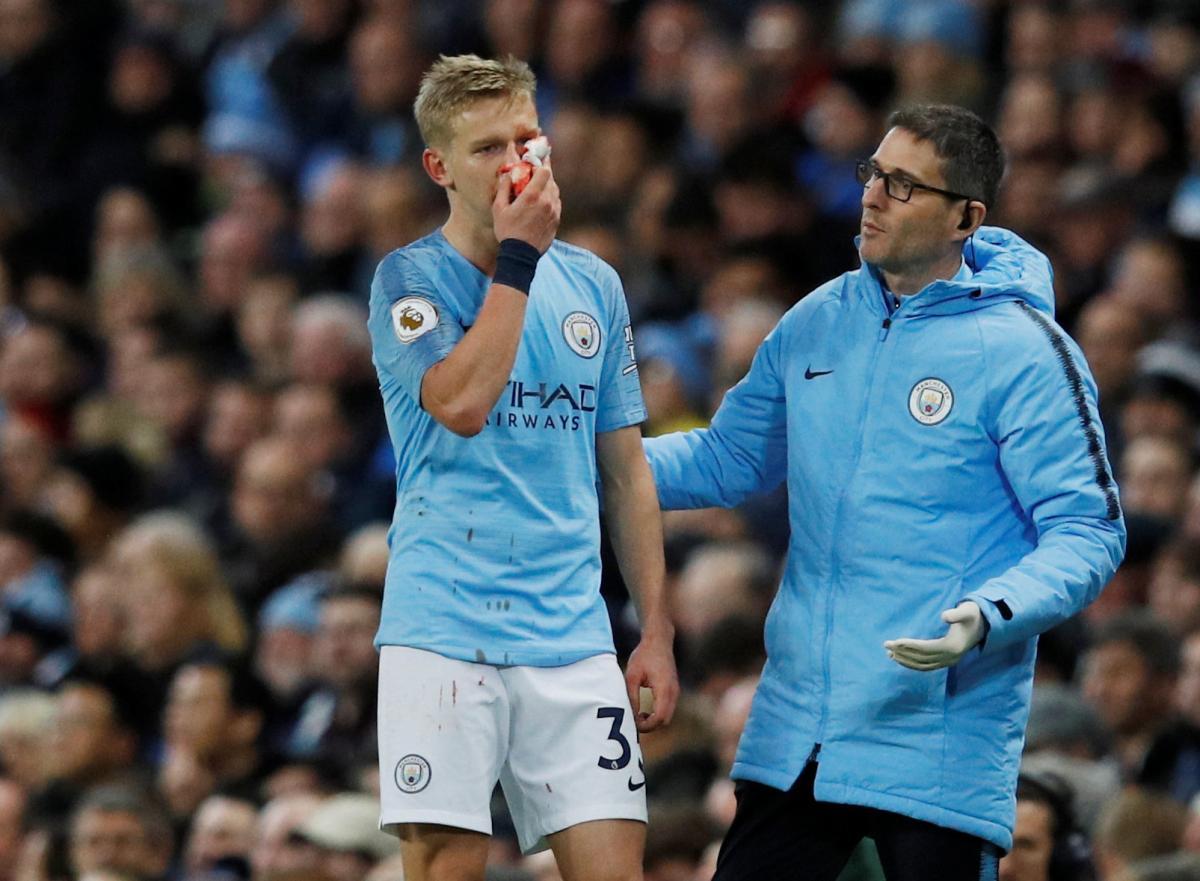 Александр Зинченко /сломал нос в предыдущем матче Манчестер Сити REUTERS
