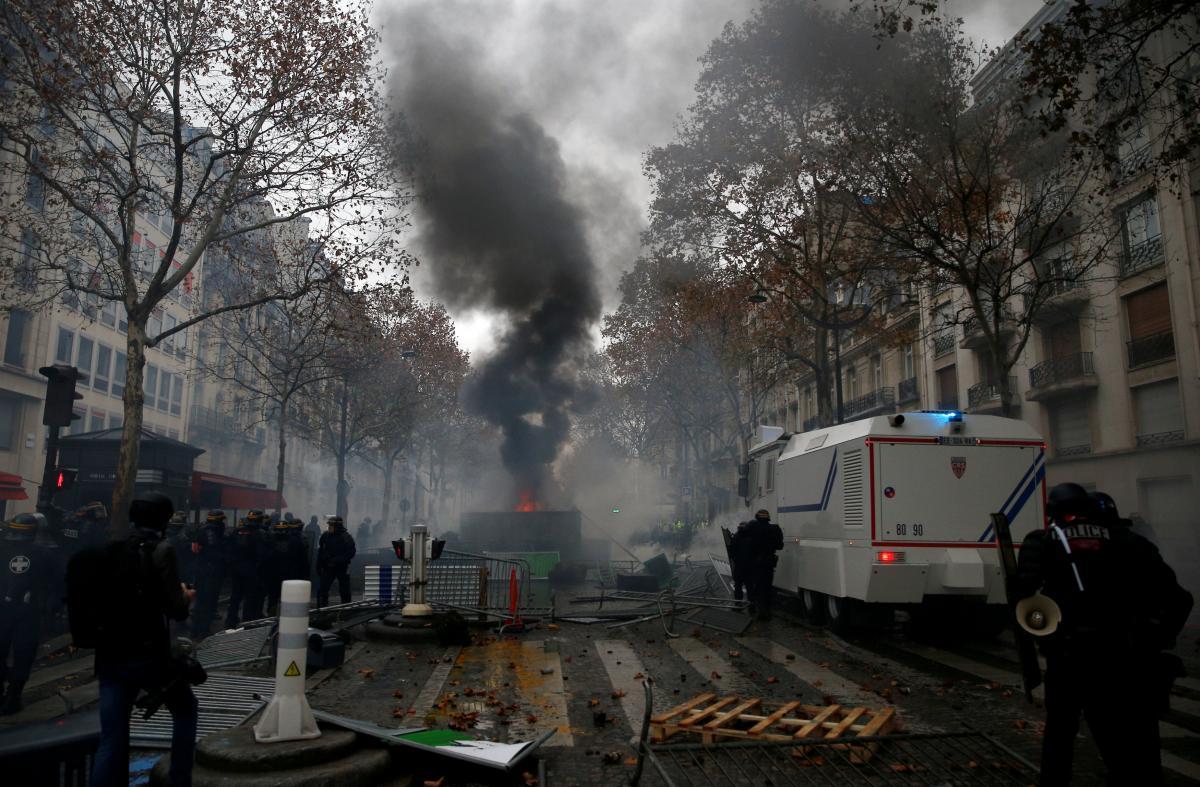 Протесты во Франции / REUTERS