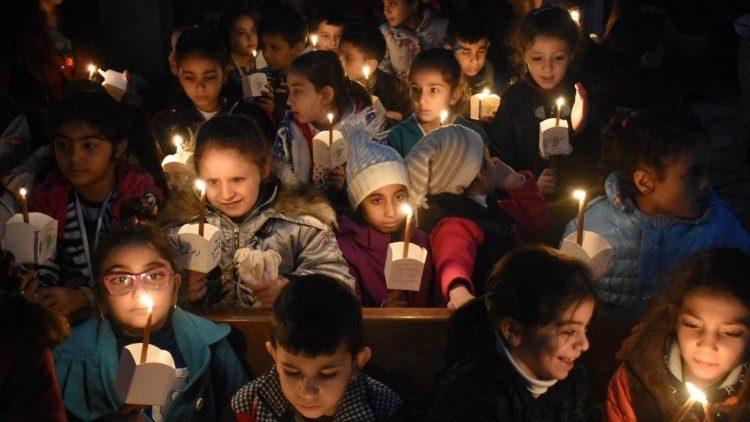 """""""Свечи за мир в Сирии"""" / vaticannews.va"""