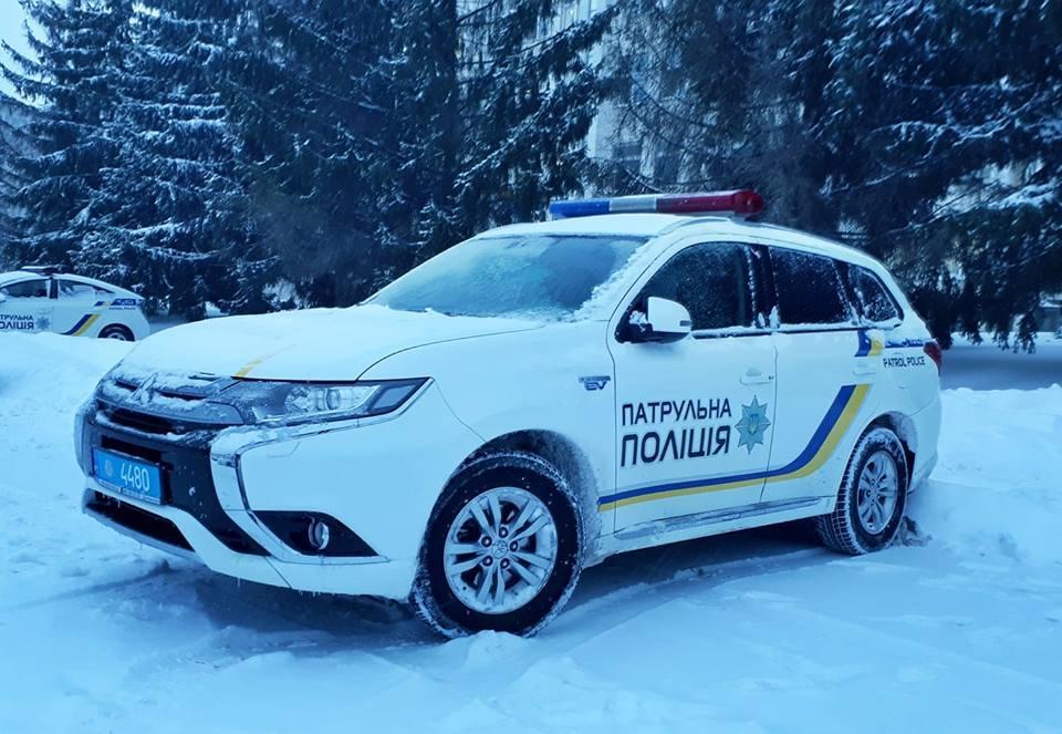 В Харьковской области к ежесуточному патрулированию и оперативным мероприятиям привлечены около 1,3 тыс. полицейских / фото facebook.com/zborik14
