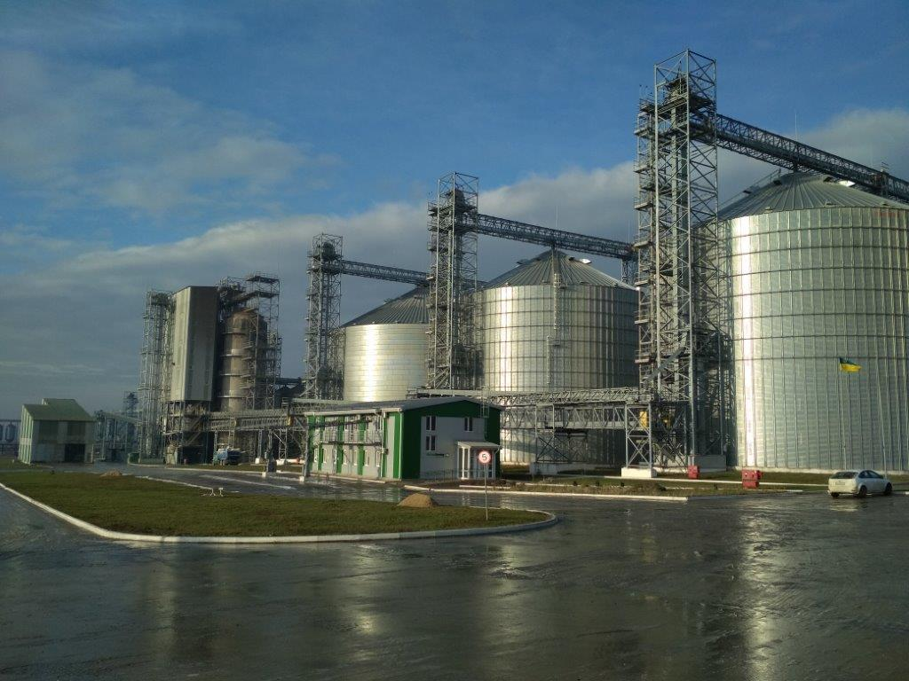 Сумарна добова потужність комплексу – прийом 12 тис. т / фото Укрлендфармінг