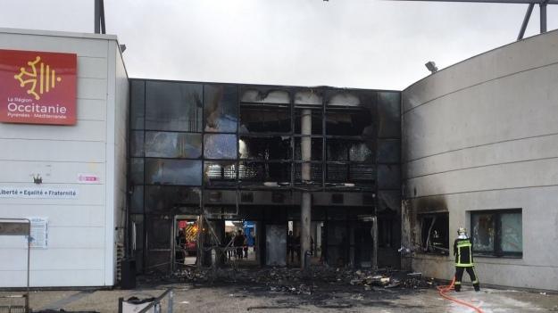 В здании лицея загорелся мусорник / фото France 3 Occitanie