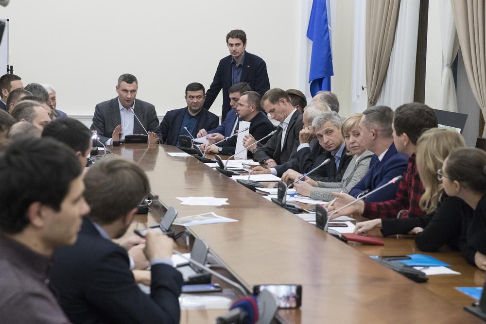 Кличко: скандальное строительство на Осокорках не может продолжаться без решения Градостроительного совета / kiev.klichko.org