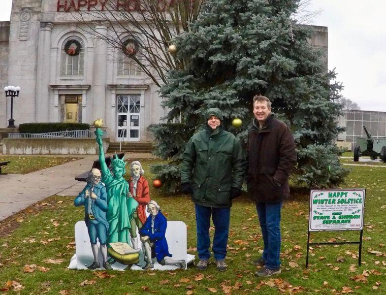 В США установили перед зданием суда пародию на Рождественский вертеп / christiantoday.com