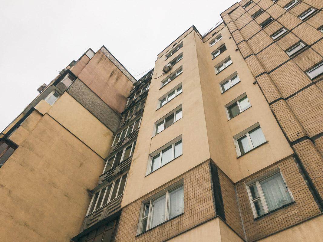 У Києві пенсіонер вкоротив собі віку, вистрибнувши з 7 поверху / фото Андрій Шматов / Інформатор