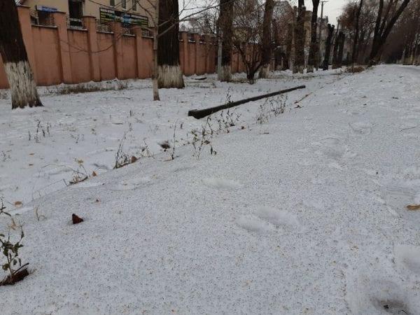 Місцеві ЗМІ повідомляють, що в Кривому Розі випав чорний сніг / krlife.com.ua
