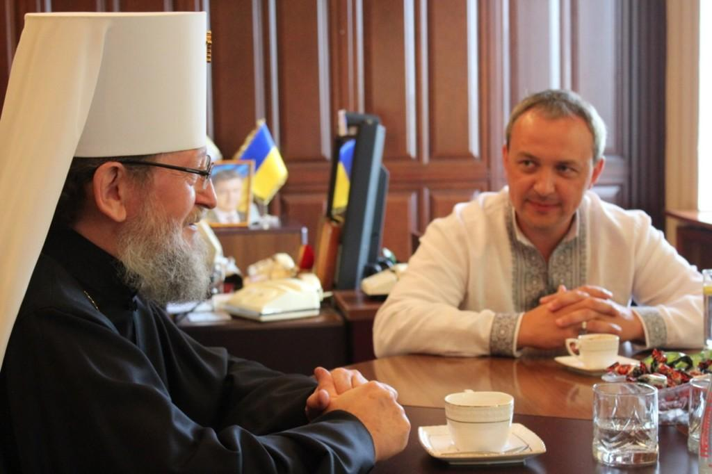 Встреча митрополита Анатолия с Ровенским губернатором / sarny.church.ua