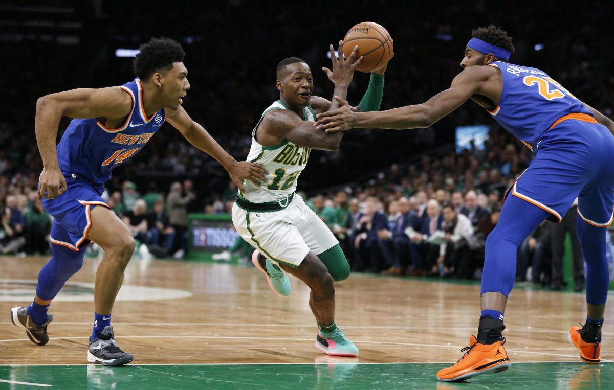 Бостон Селтикс разгромил Нью-Йорк Никс в матче регулярного чемпионата НБА / Reuters