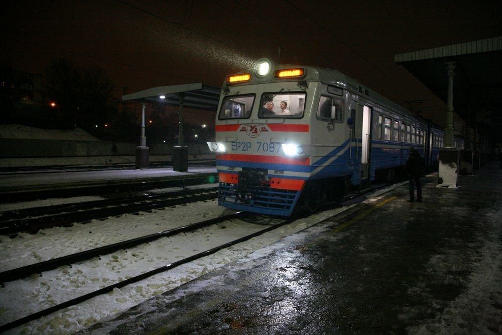 Внешне поезд оснащен светодиодными прожекторами и буферными фонарями \ пресс-служба ЮЖД