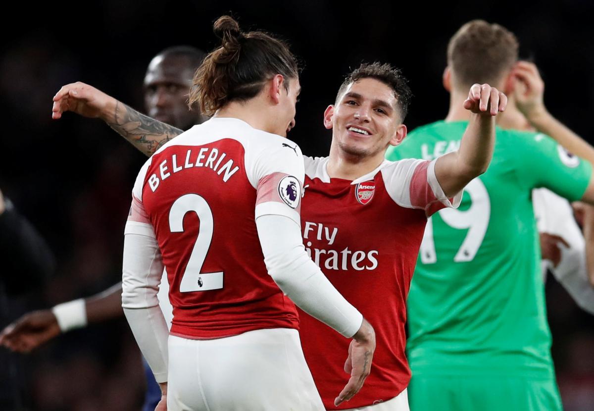 футболисты Арсенала на славу повеселились перед началом сезона / Reuters