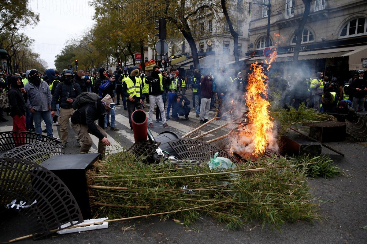 Барикады в Парижі / REUTERS